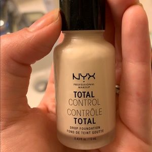 NYX Total Control Drops in Shade Pale